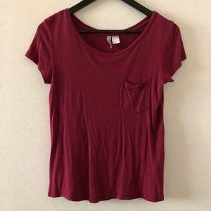 H&M Divided maroon t-shirt